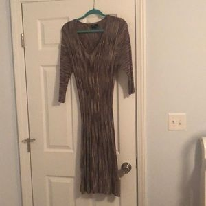 connected apparel Dresses - Beautiful long sleeve unique color dress